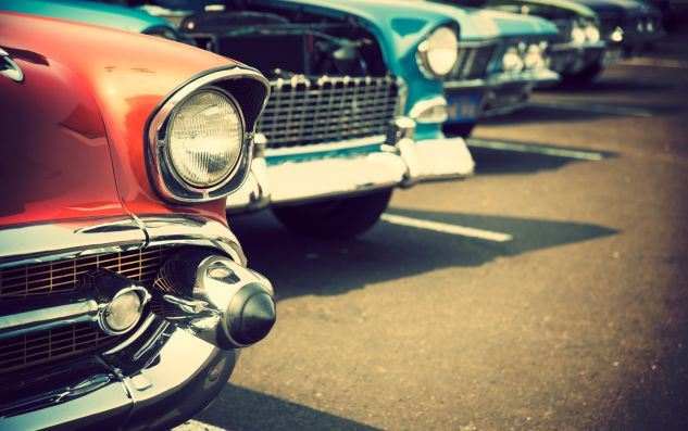 Classic-Cars-in-a-row